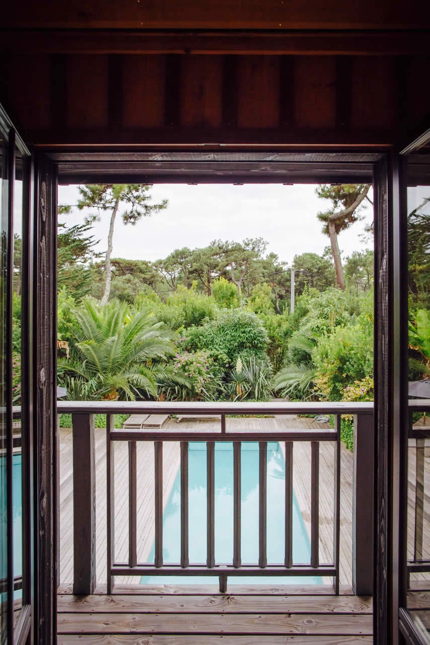 villa-architecte-9-pieces-superbe-salon-cheminee-jardin-tropical-a-vendre-cap-ferret