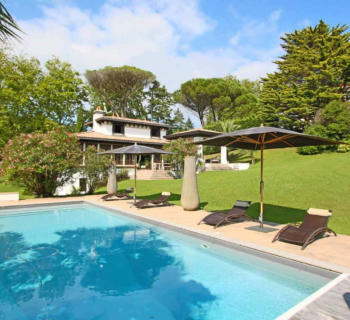 charming-villa-8-rooms-terrace-garden-for-sale-saint-jean-de-luz