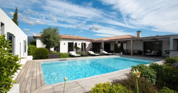 villa-2-garages-heated-pool-henhouse-for-sale-porto-vecchio