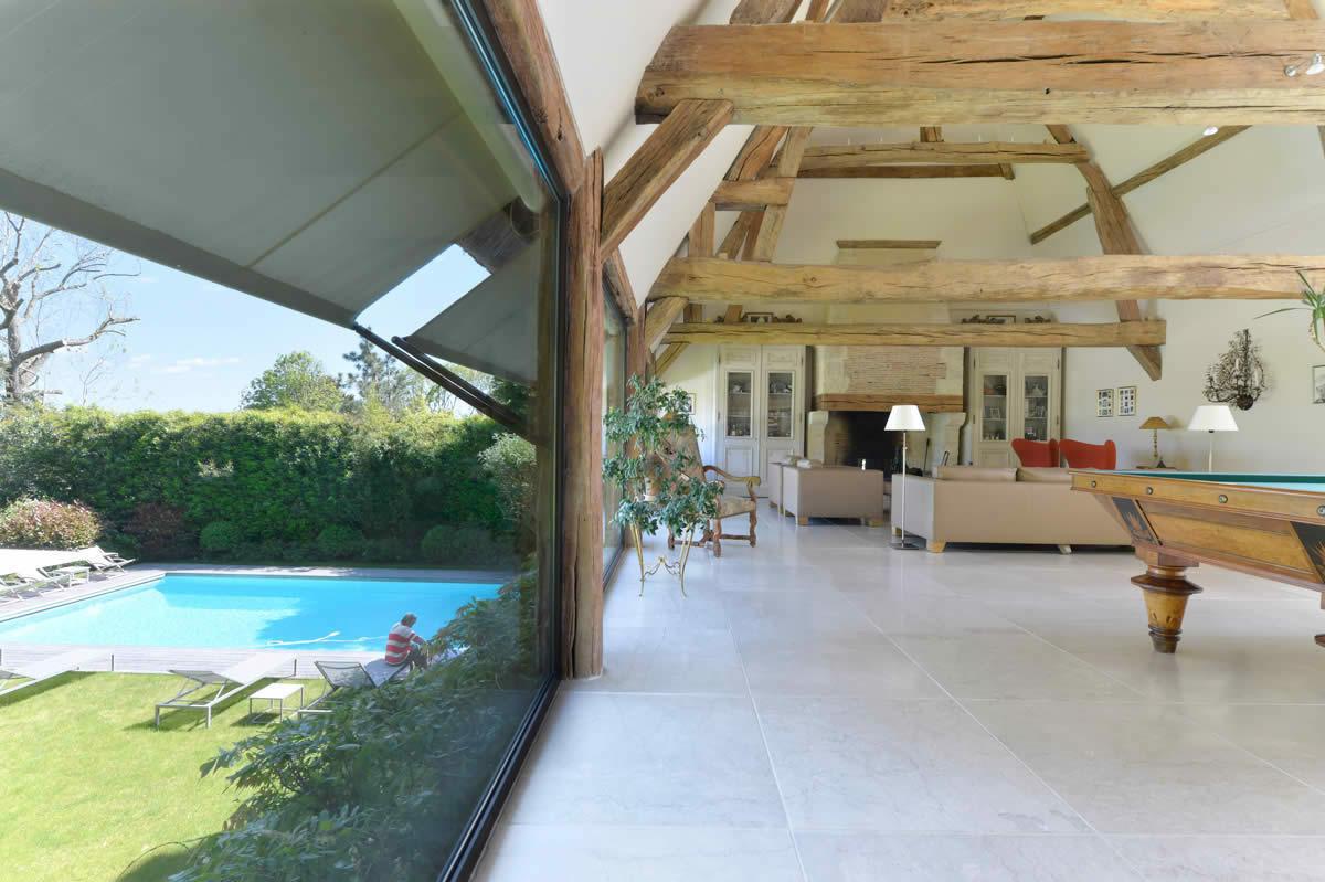 Chaumi re avec terrasse piscine chauff e salle de sport for Salle de sport avec piscine