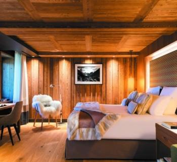 Hotel Barrière Les Neiges Courchevel: Five Star Resort in the Mountain