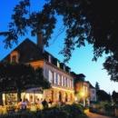 The Restaurant Esplanade & the Hôtel Plaza Madeleine in Périgord