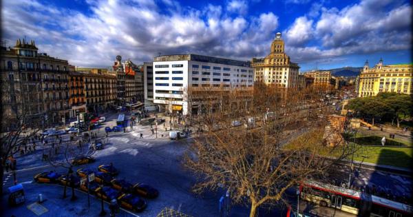 rues-barcelone-catalan-medievale-monuments-vie-nocturne-eclectique