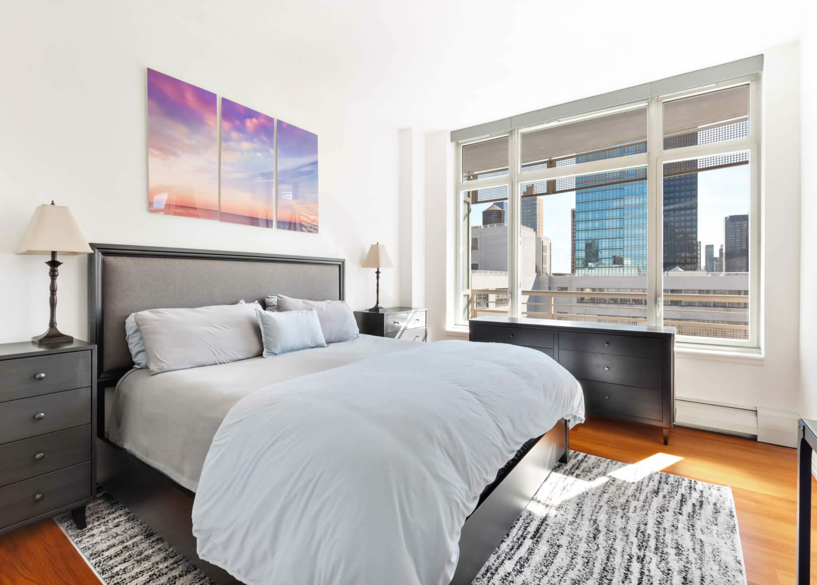 apartment-bay-windows-terrace-upper-east-side-central-park