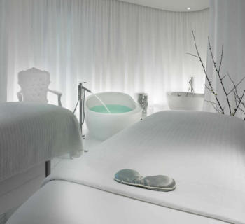 ciel-spa-sls-hotel-stone-hand-massage