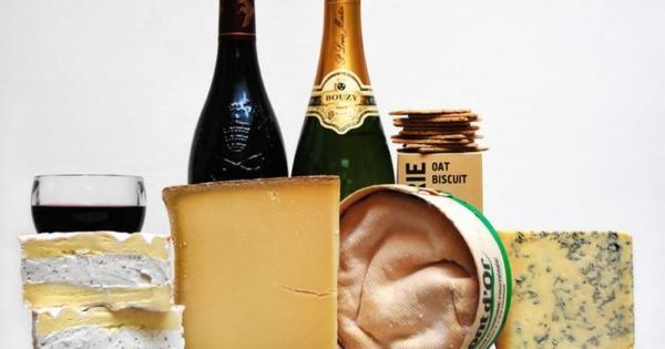 la-fromagerie-degustation-vin-fromage-restauration-sur-place
