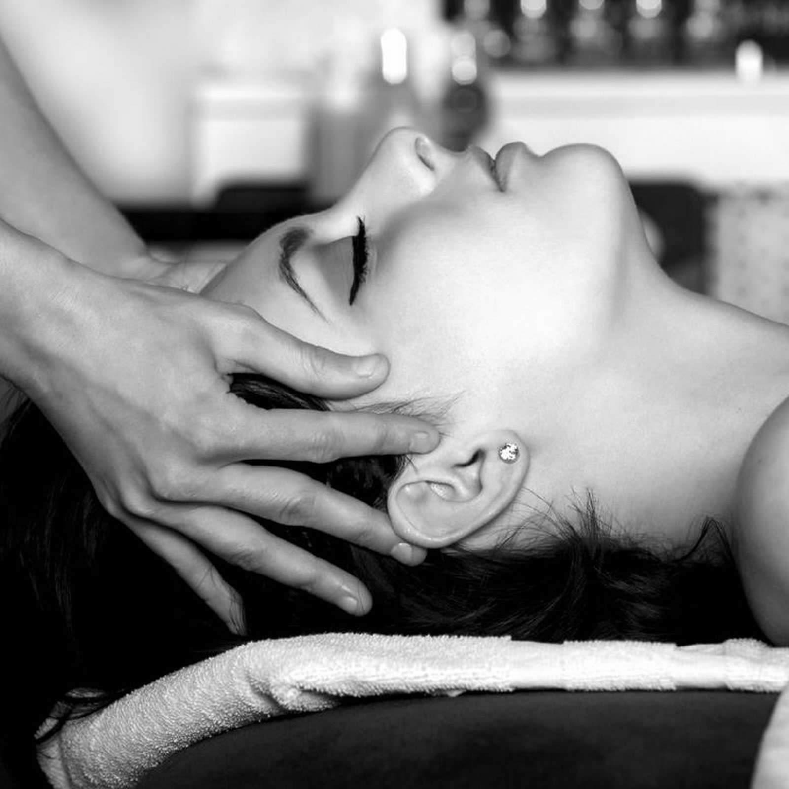 le-spa-dans-le-noir-massages-noir-absolu