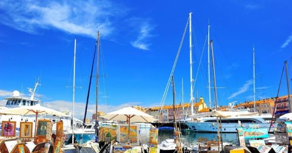 saint-tropez-extravagance-luxe-port-peche-yachts