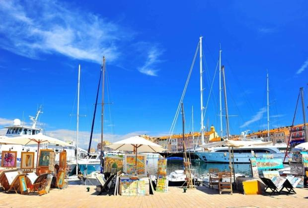 saint-tropez-extravagance-luxury-fishing-port-yachts