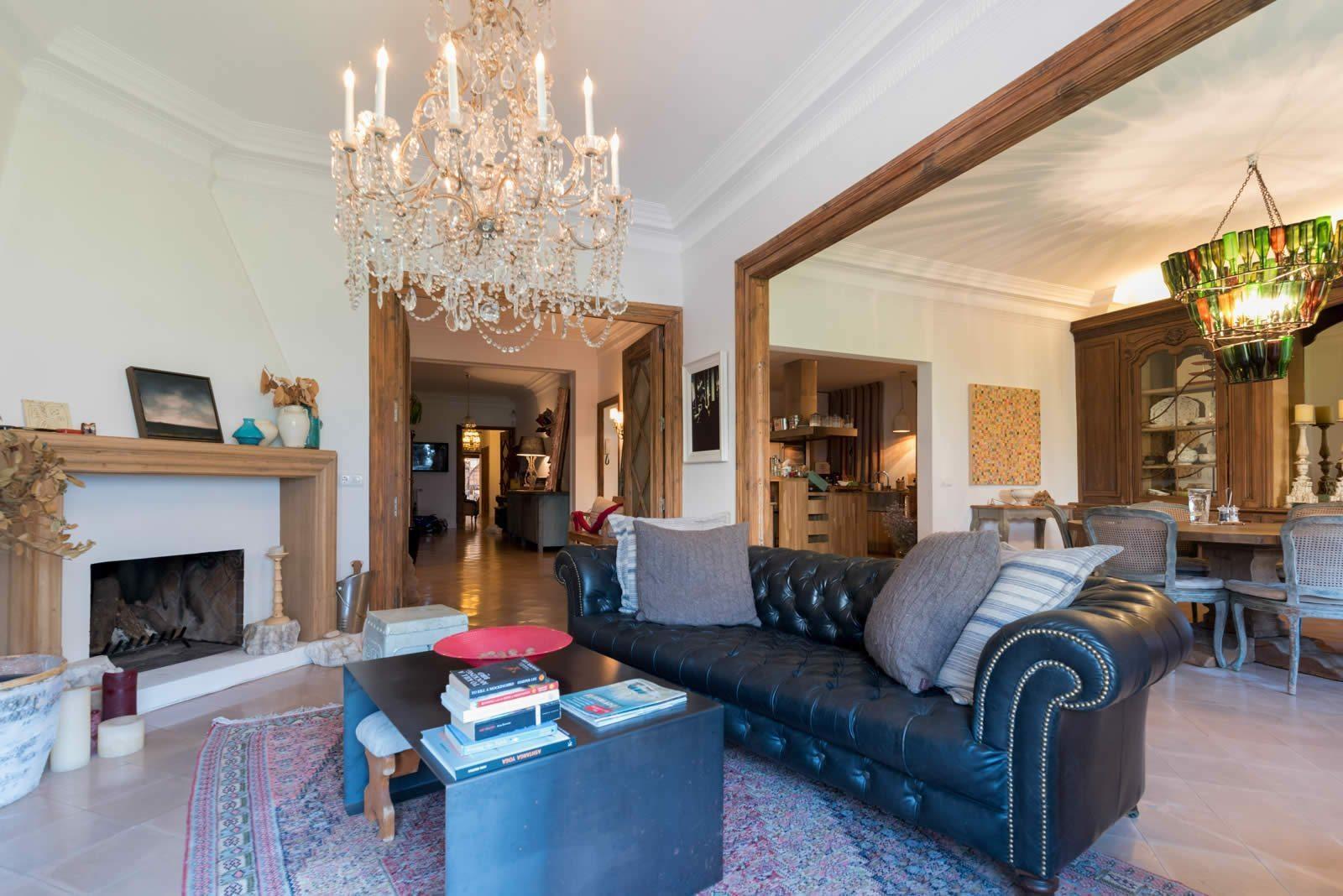 Appartement au charme ancien vendre face au parc turo barcelone - Appartements a vendre a barcelone ...