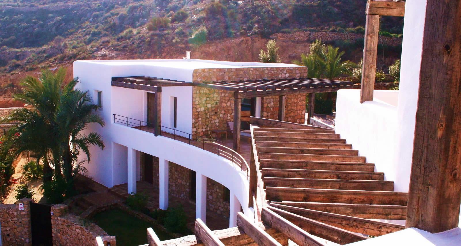 Superbe villa de 2 maisons vendre pr s du village d agua for Acheter une maison de village