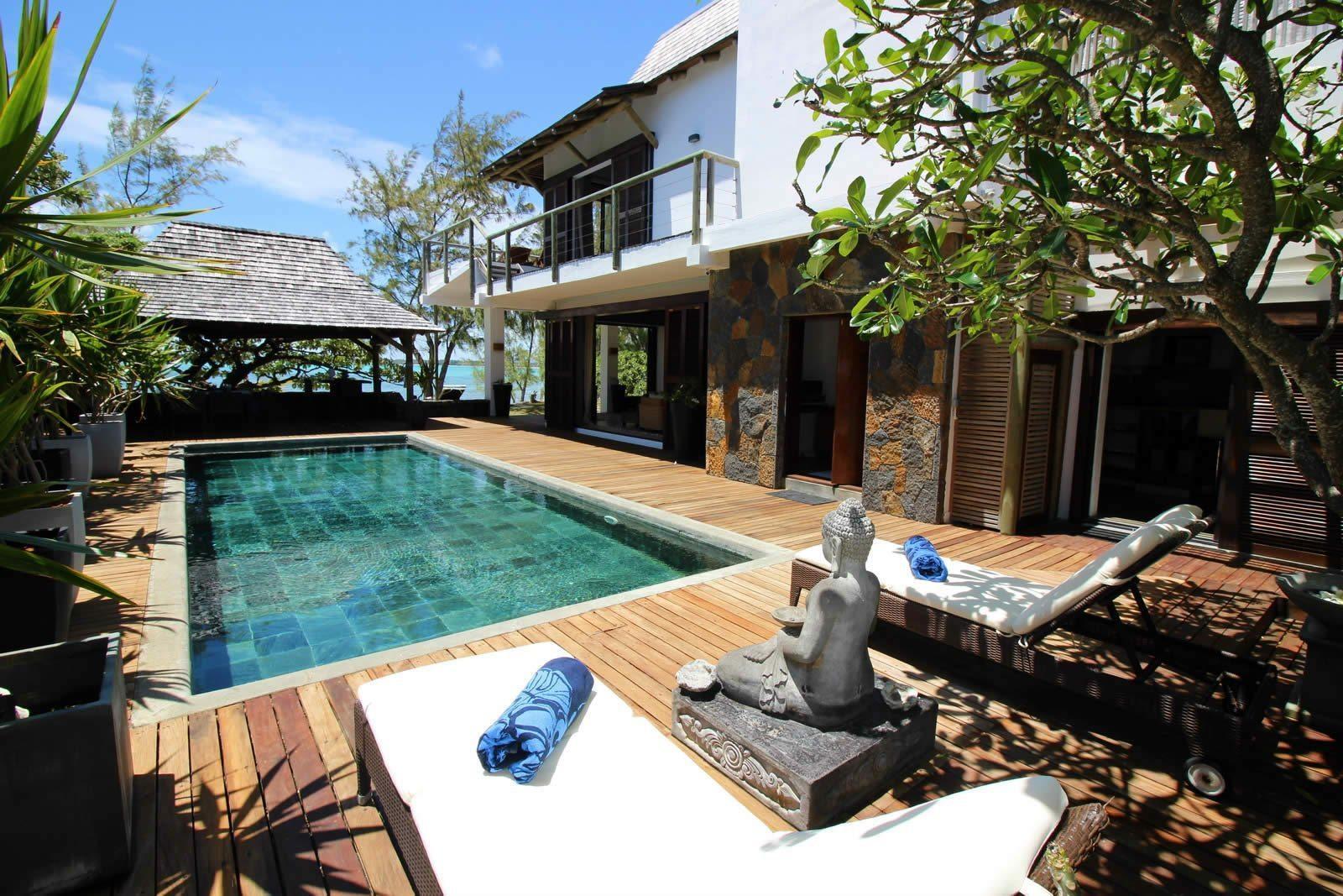 villa-luxueuse-piscine-vue-mer-a-vendre-poste-lafayette