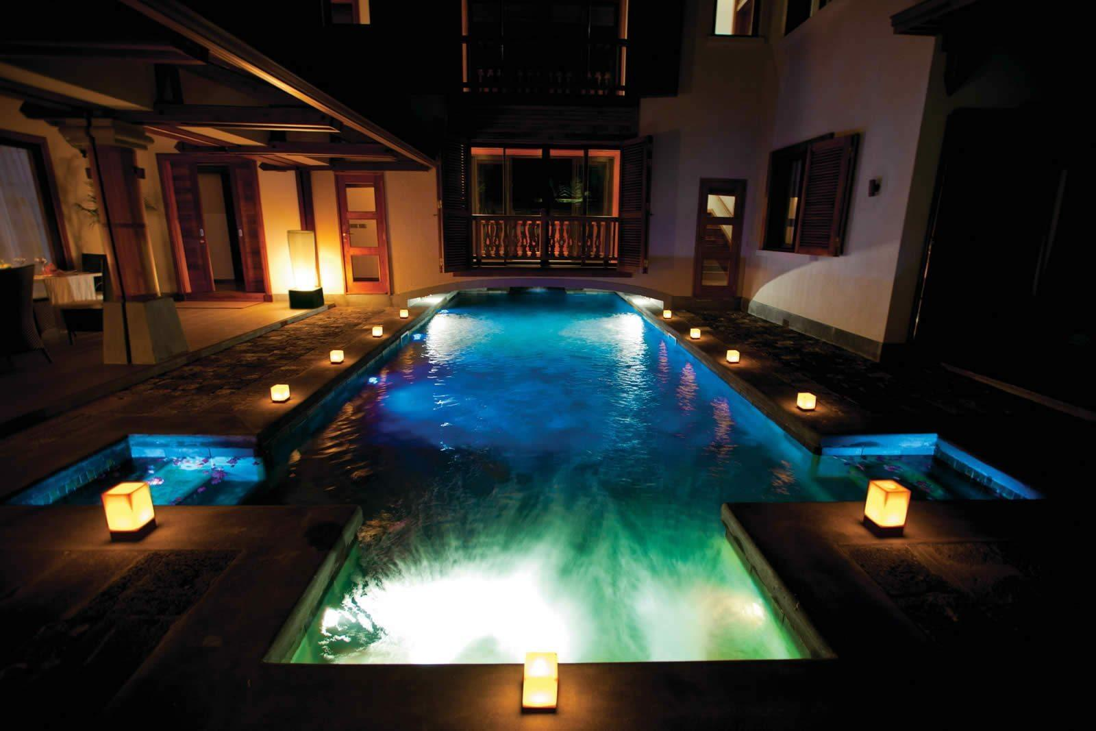 villa-moderne-face-mer-piscine-a-vendre-poste-lafayette