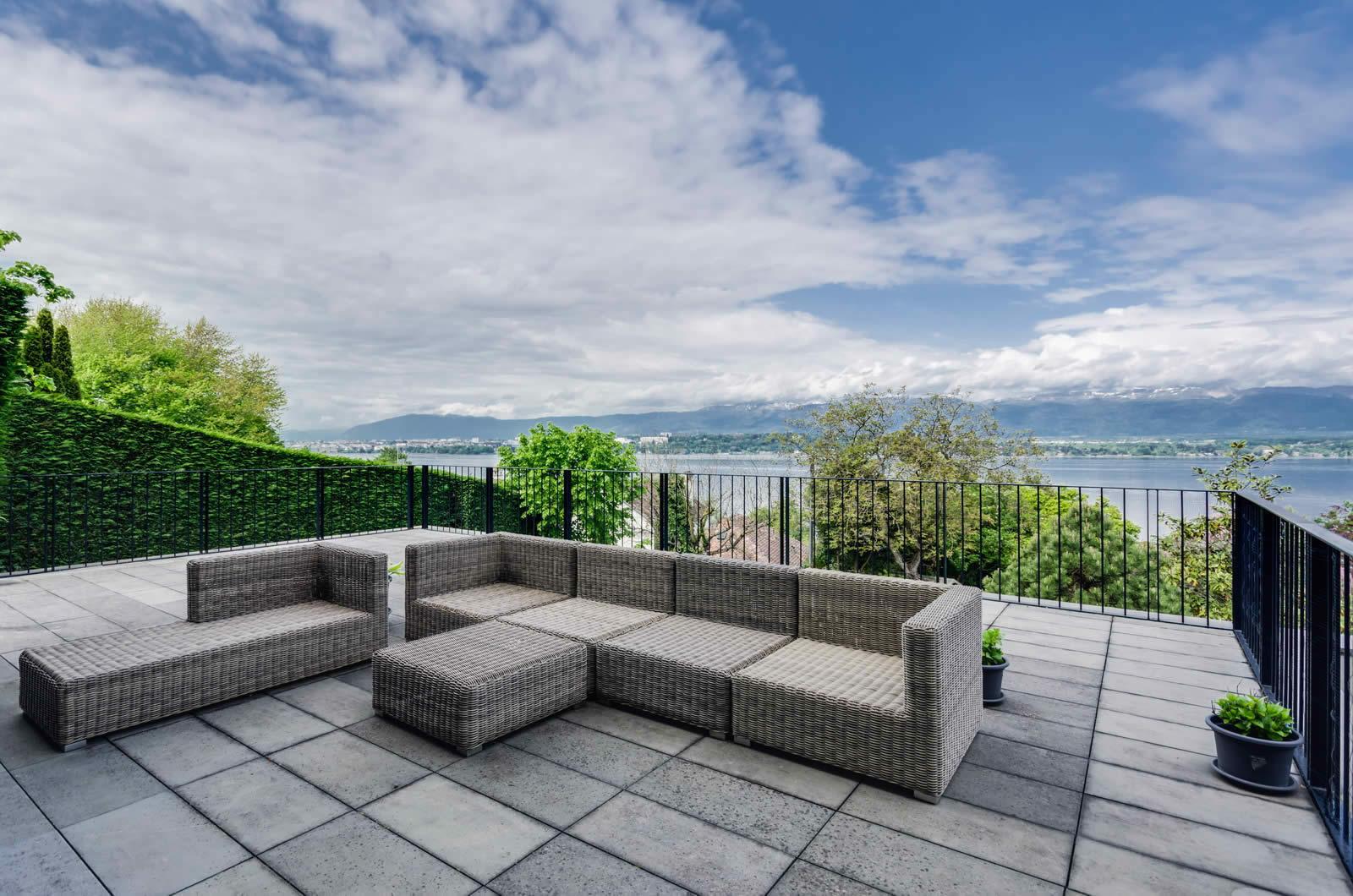 Villa moderne avec vue panoramique sur le l man et g n ve for Les villa moderne