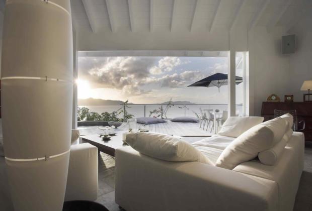 villa-terrasse-eau-vendre-pointe-pilou