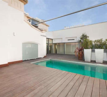 beautiful-contemporary-duplex-art-deco-building