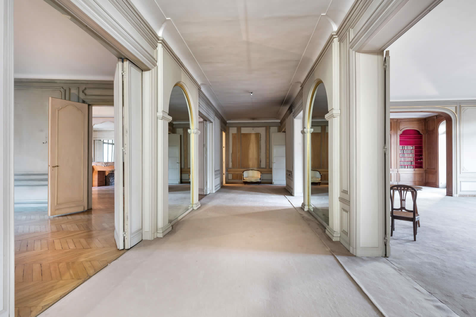 appartement-vaste-lumineux-immeuble-haussmannien-a-vendre-8eme-arrondissement