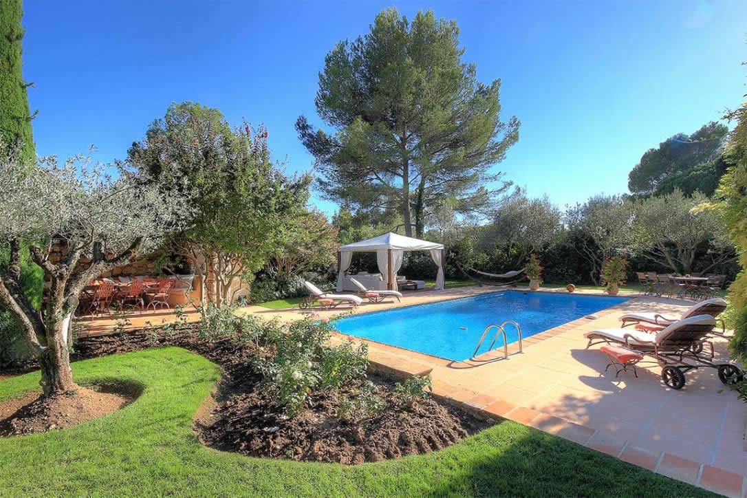 Souvent Maison au charme provençal avec piscine et cuisine d'été à vendre  IU27