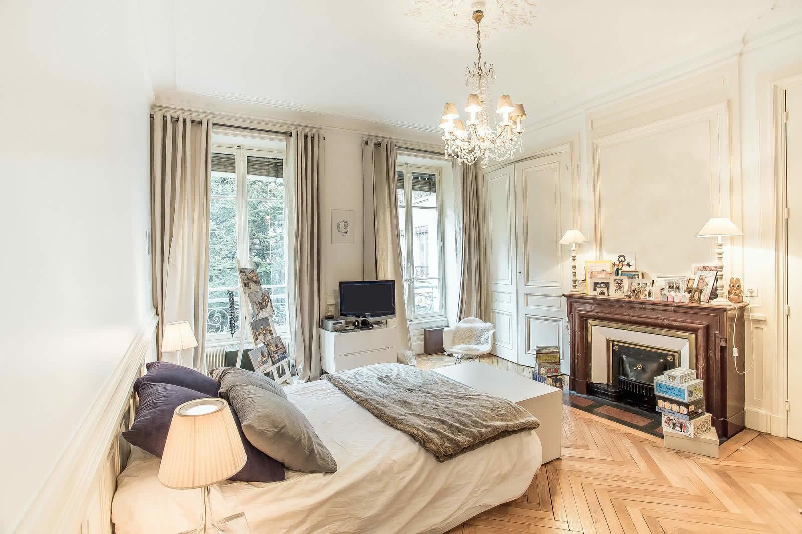appartement-style-a-la-francaise-parquet-cheminee-a-vendre-centreappartement-style-a-la-francaise-parquet-cheminee-a-vendre-centre