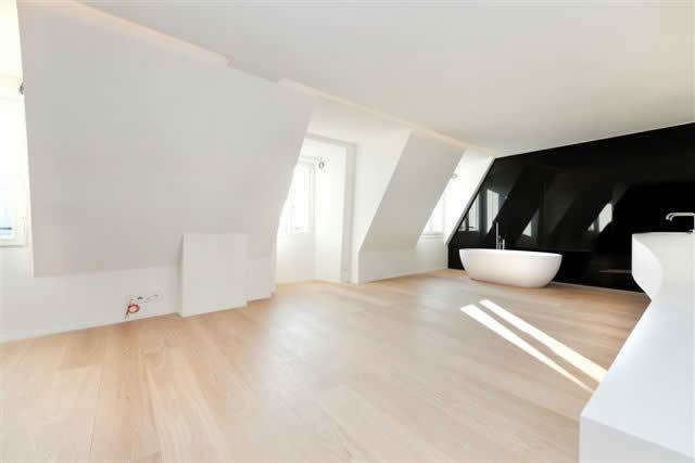 beau-duplex-contemporain-architecture-futuriste-immeublke-art-deco-a-vendre