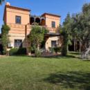 belle-villa-marocaine-vue-golf-amelkis-piscine-terrasse-a-vendre