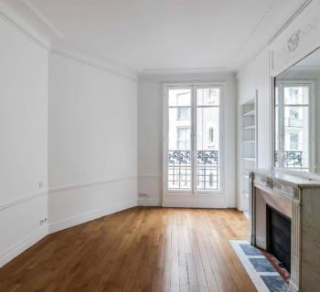appartement-familial-immeuble-haussmannien-belles-hauteurs-sous-plafond-parquet-a-vendre