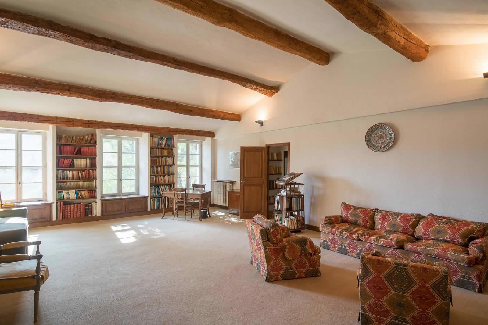 propriete-vaste-lumineuse-4-hectares-16eme-siecle-charme-provencal-a-vendre-auribeau-sur-siagne