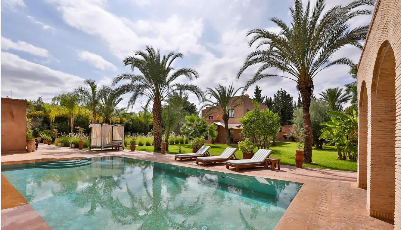grande-villa-decor-ancien-moderne-hammam-piscine-a-vendre