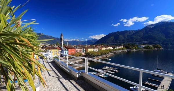 penthouse-moderne-2-etages-sauna-terrasse-vues-panoramiques-lac-majeur-ascona