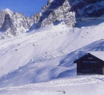 plus-belles-pistes-ski-piste-verte-des-houches-pylones-point-de-vue-combe-lachenal-domaine-de-brevent