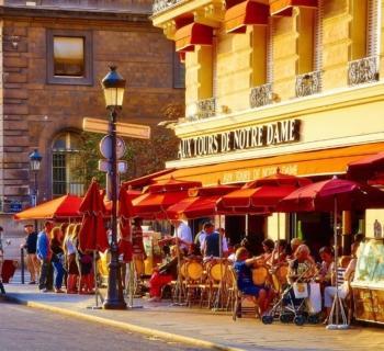 rues-commercantes-rue-de-rivoli-marais-louvre-champs-elysees-saint-germain-des-pres-opera