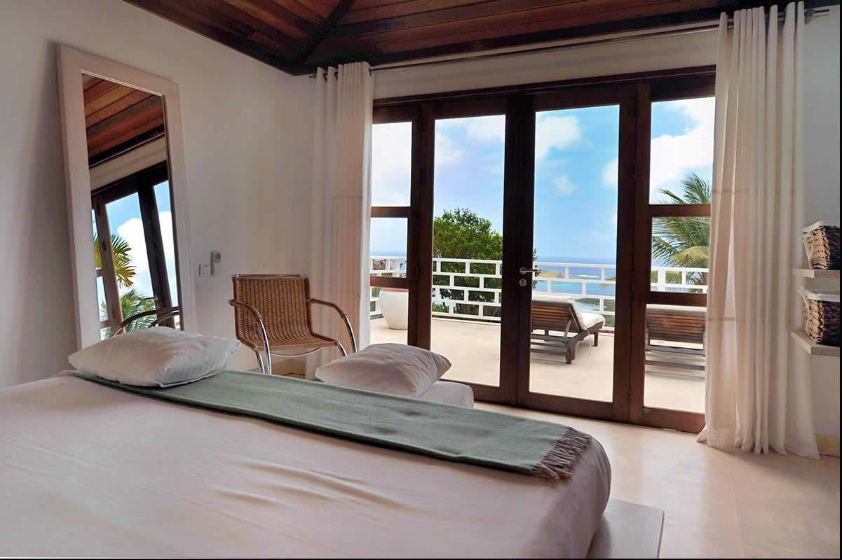 villa-caribeenne-collines-piscine-superbe-vue-baie-grand-cul-de-sac-a-vendre