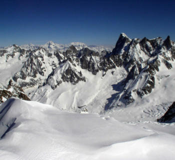 view-mont-blanc-nature-site-mountain-refuge-ski-resort