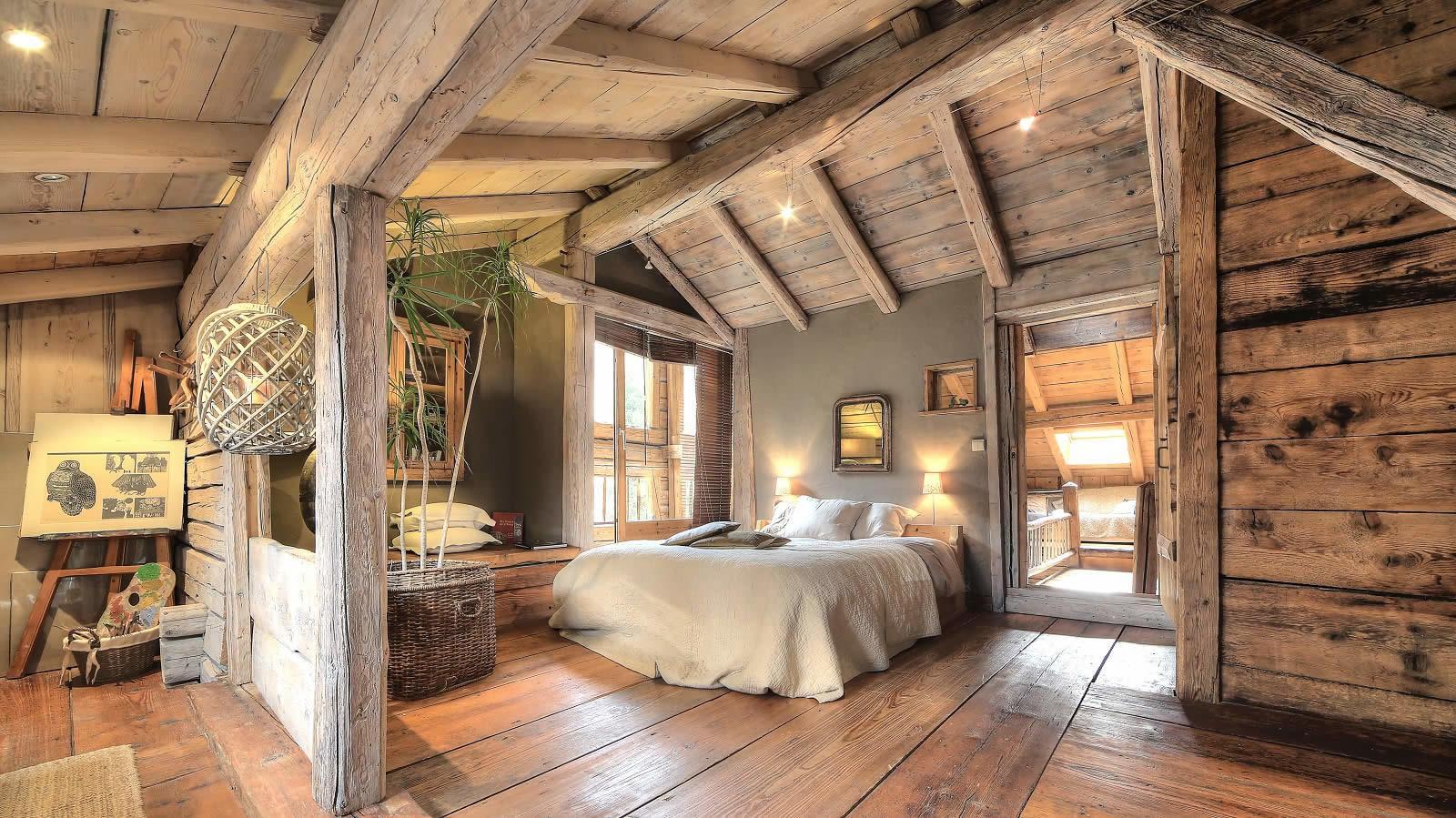 magnifique ferme r nov e dans la vall e de chamonix au hameau de taconnaz vendre vaste pi ce. Black Bedroom Furniture Sets. Home Design Ideas