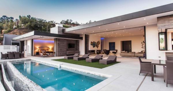 villa-luxe-vue-panoramique-piscine