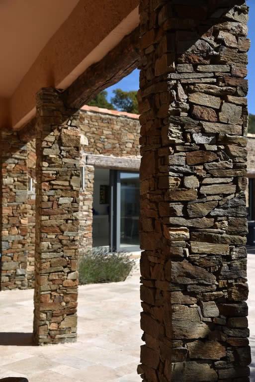 contemporary-villa-for-sale-bormes-les-mimosas-panoramic-ocean-view-pool-terrace