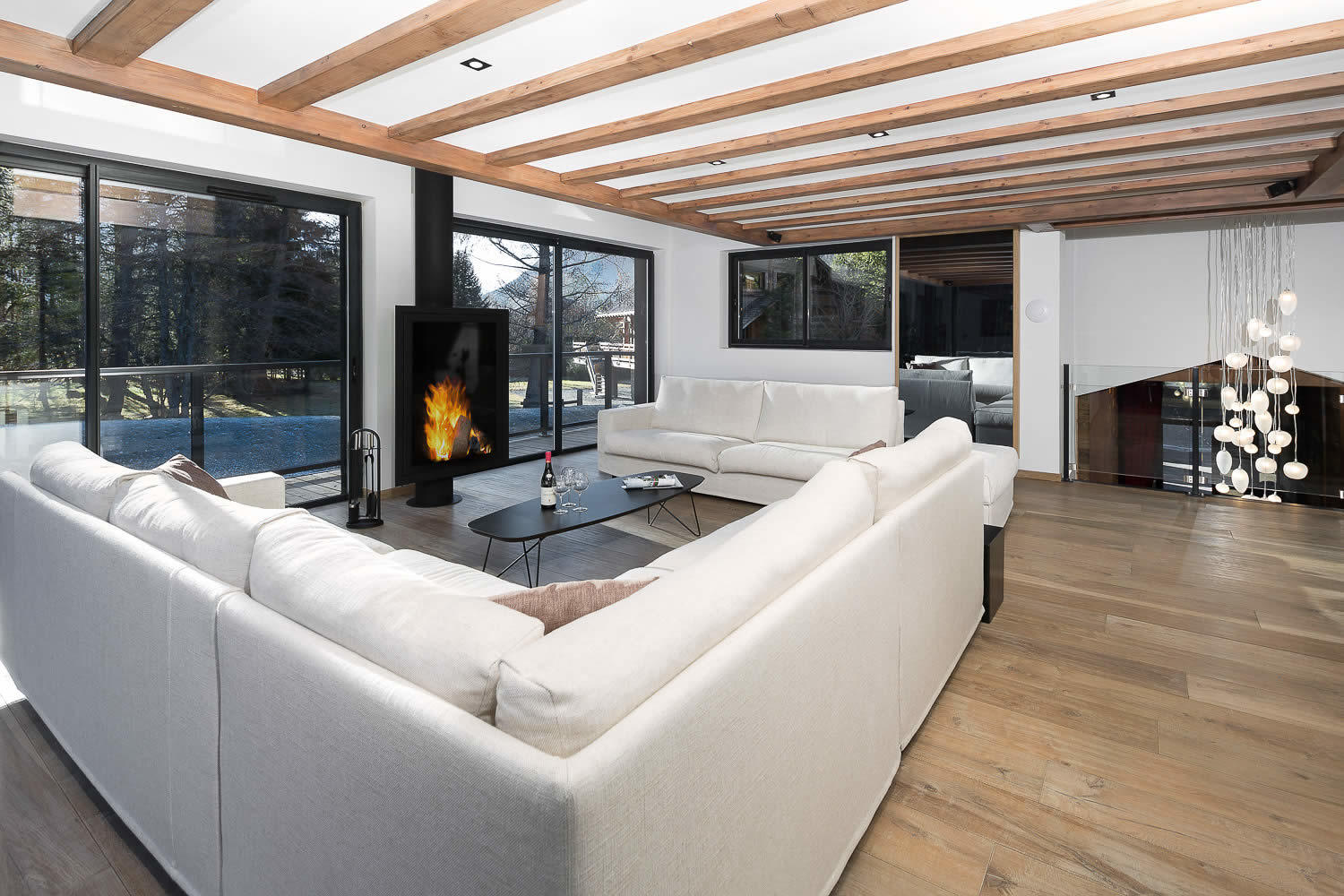 Chalet neuf d 39 exception au design contemporain vendre chamonix grandes baies vitr es for Chalet design contemporain