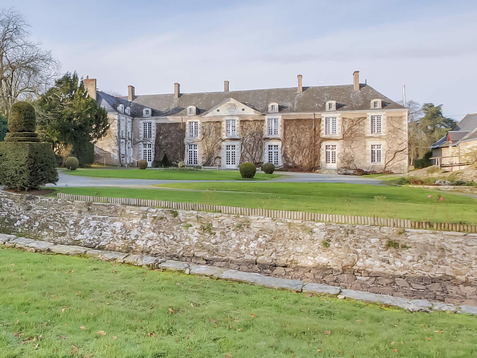 chateau-a-vendre-9-chambres-terrain-logis-chapelle