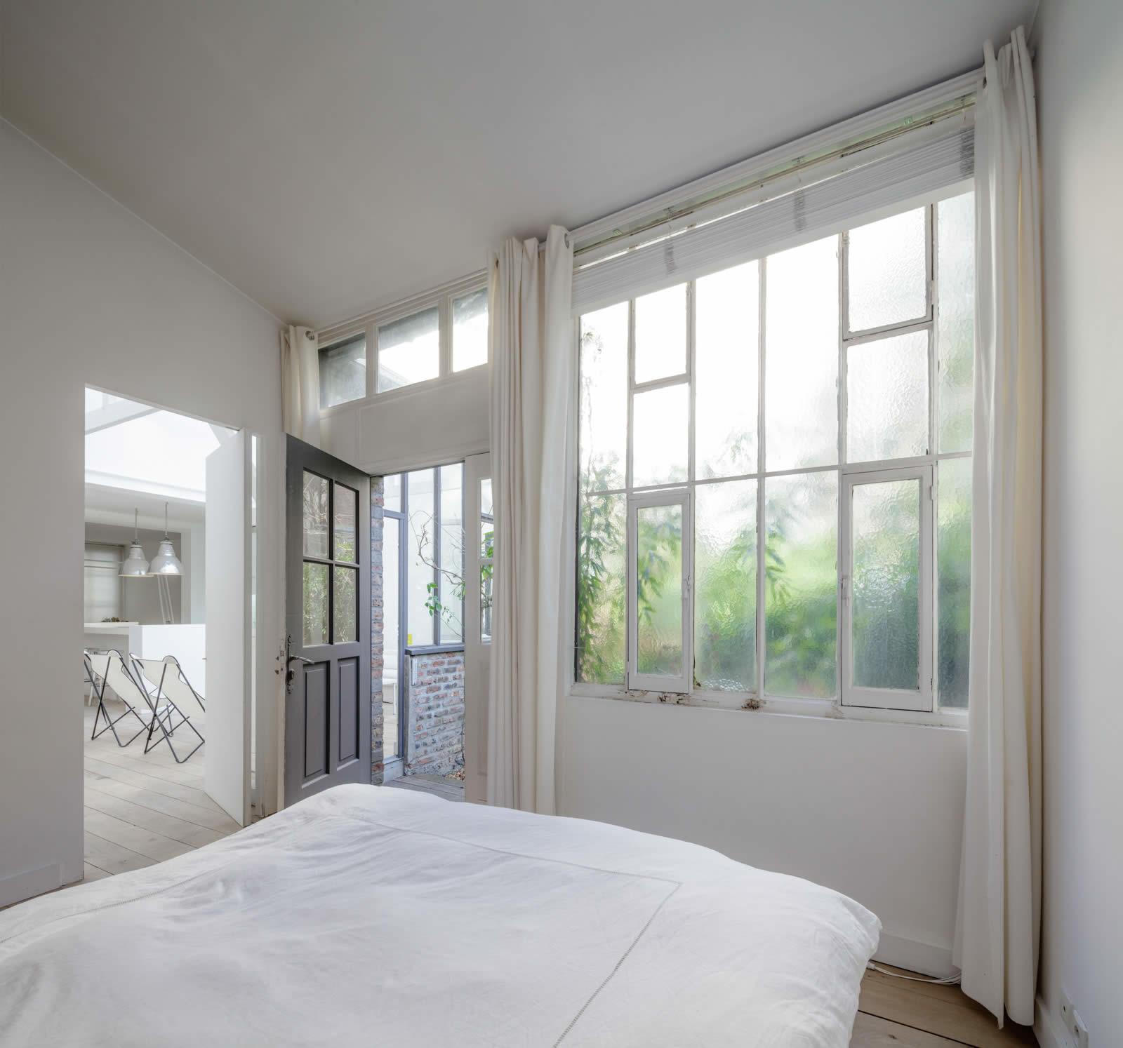 Maison d 39 architecte contemporaine vendre paris est for Terrasses et jardins paris est