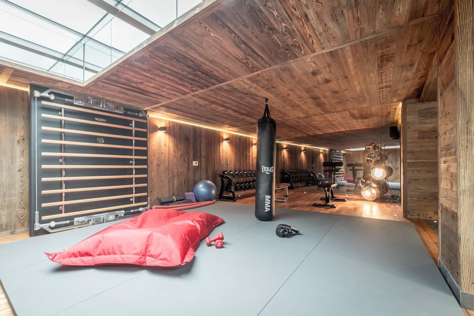 chalet-luxe-a-vendre-piscine-sauna-hammam-jacuzzi