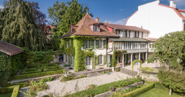 charming-20th-century-building-8-bedrooms-superb-manicured-garden-for-sale