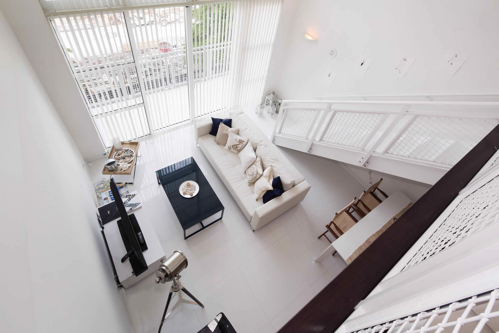 beau-duplex-3-piscines-baie-terrasse-salle-de-sport-a-vendre
