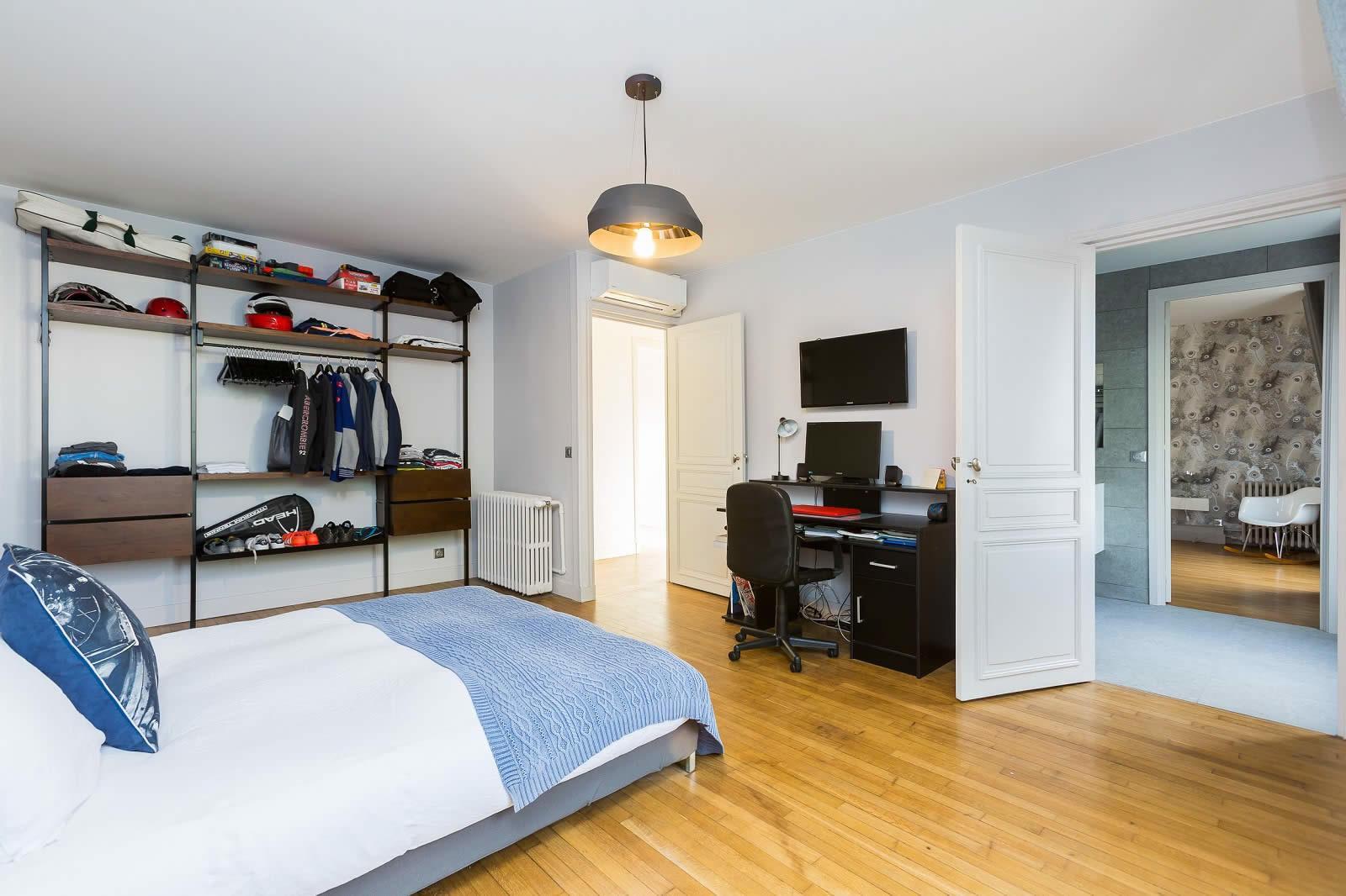 Appartement A Vendre La Varenne Saint Hilaire