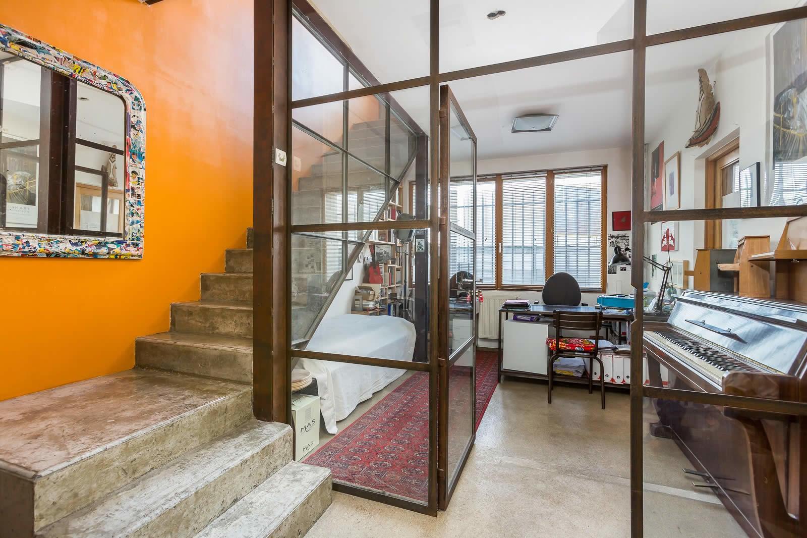 loft atelier d 39 artiste vendre ivry sur seine spacieux lumineux terrasse ensoleill e et. Black Bedroom Furniture Sets. Home Design Ideas