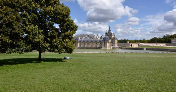 chantilly-domaine-chateau-village-apremont-proprietes-pierres