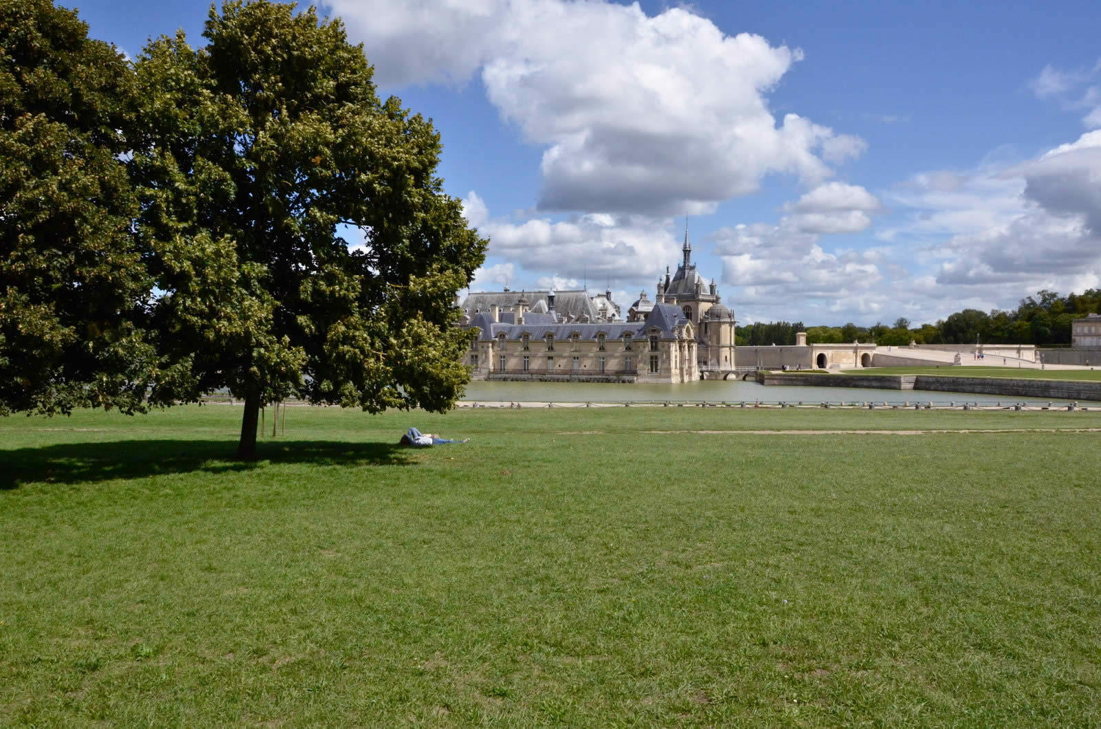 chantilly-domaine-chateau-village-apremont-proprietes-pierres