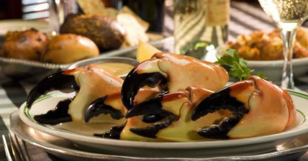 joes-stone-crab-restaurant-seafood