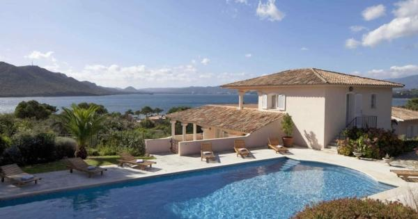 rent-villa-vacation-luxury