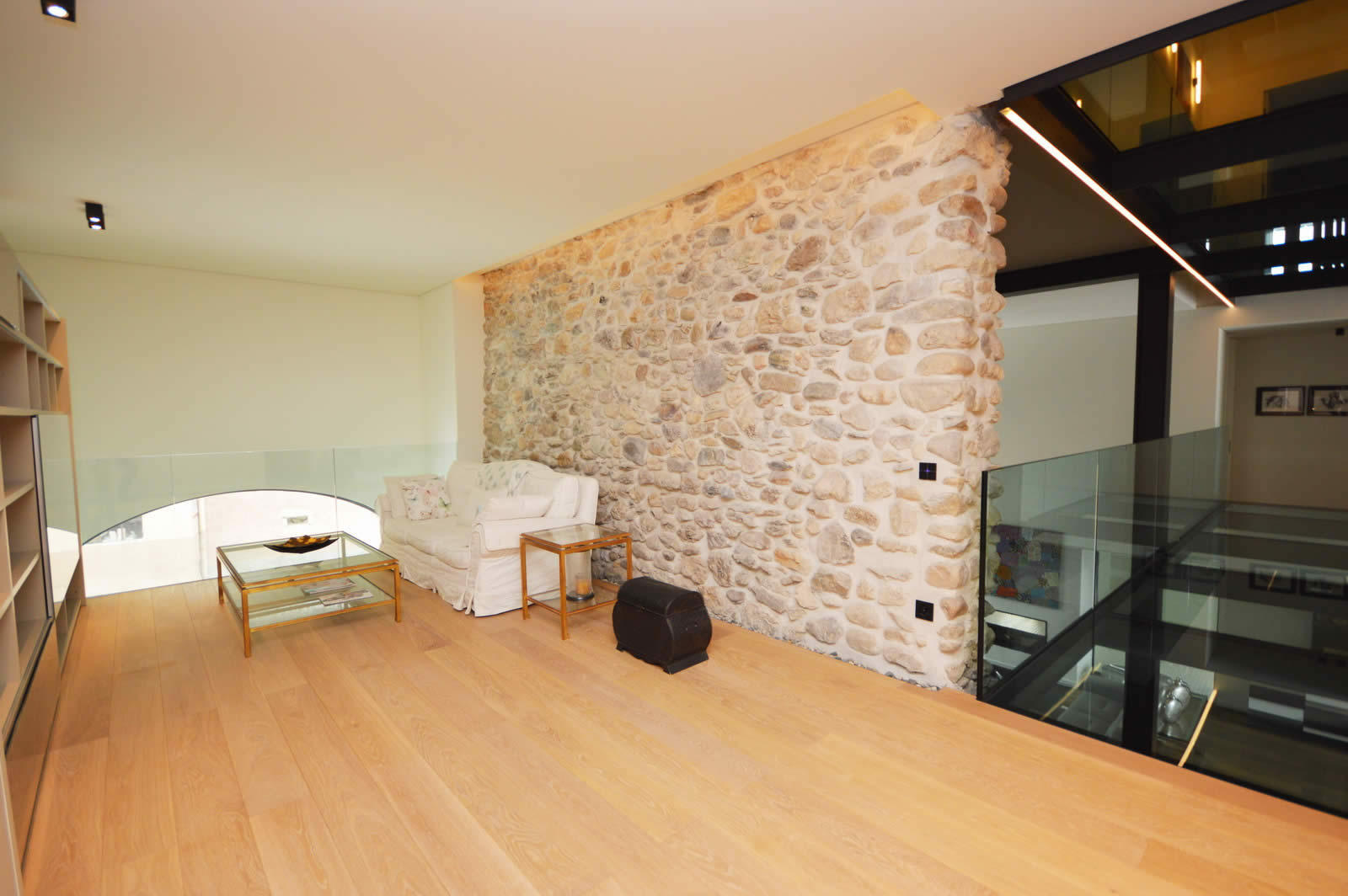 renovated-modern-farmhouse-10-rooms-wooden-beams-stone-walls-for-sale-grandson