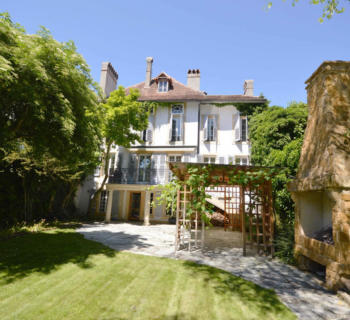 property-character-13-rooms-3-floors-interior-courtyard-2-cellars-for-sale